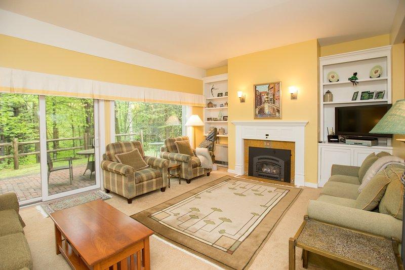Venez et restez dans notre maison de 3 chambres lumineuse et moderne dans la forêt!