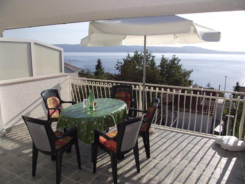 Povile Apartment Sleeps 5 with Air Con - 5641710, casa vacanza a Povile