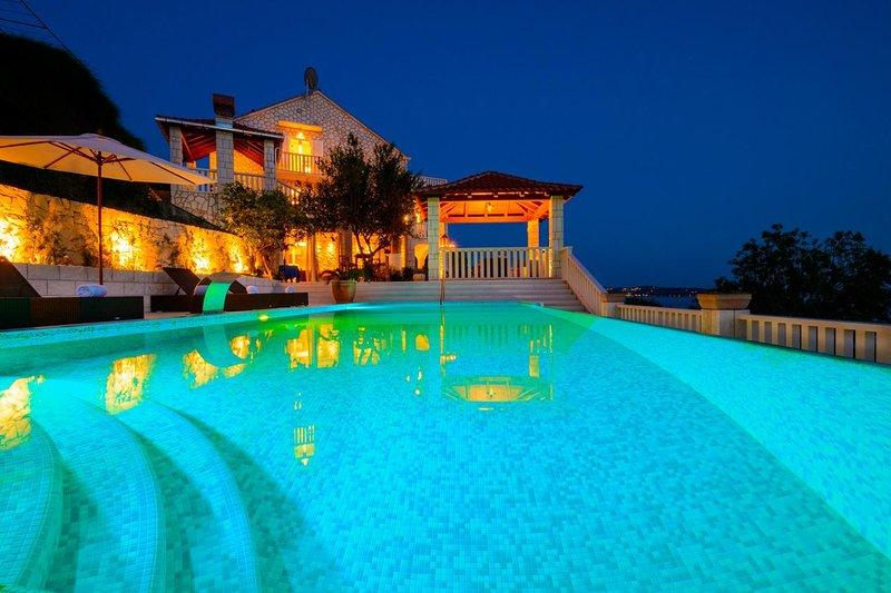 Four bedroom house Soline, Dubrovnik (K-3548), holiday rental in Mlini