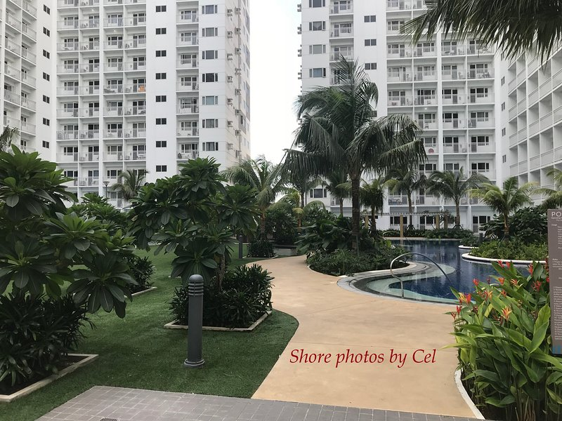 MOA Complex Shore Residences 1-Bedroom Furnished Condo, vacation rental in Pasay