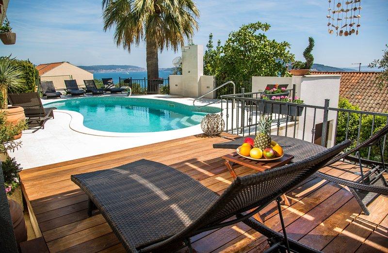 villa kulenovic, vacation rental in Seget Vranjica
