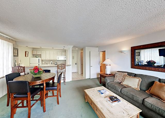 Ski In Ski Out, 1 Bedroom Snowmass Condo, Cozy and Comfortable, location de vacances à Snowmass Village