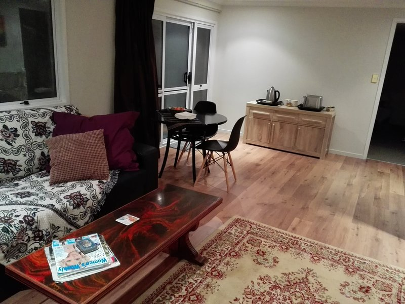 Gladesdale Studio apartment, Self Contained., vacation rental in Rotorua District