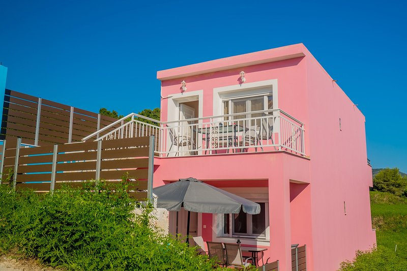 Mirage by the Sea - Ground Floor Apartment, holiday rental in Alykes