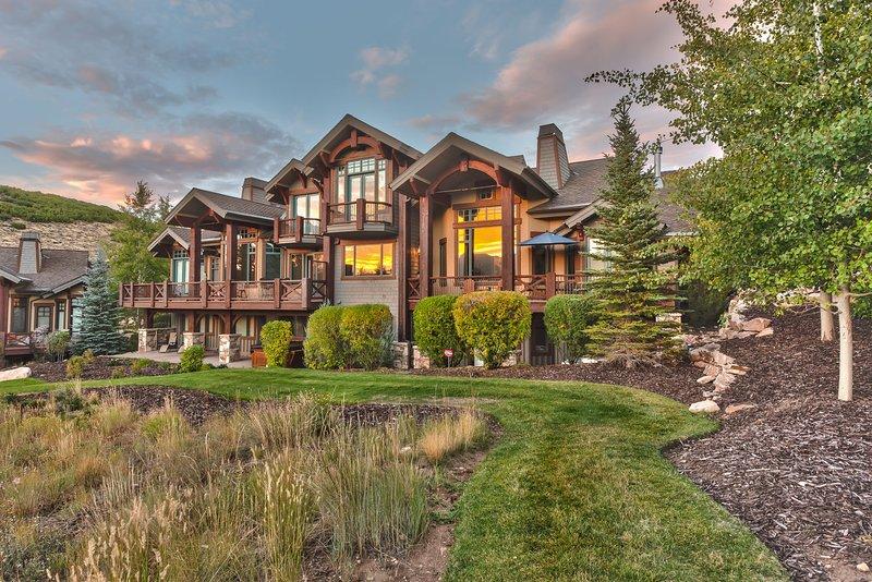Park City Mountain View - Una casa de 4,391 pies cuadrados ubicada en Park Meadows con cuatro habitaciones - Todas con baño privado