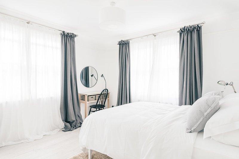 Master King Size Bedroom - Photo #1