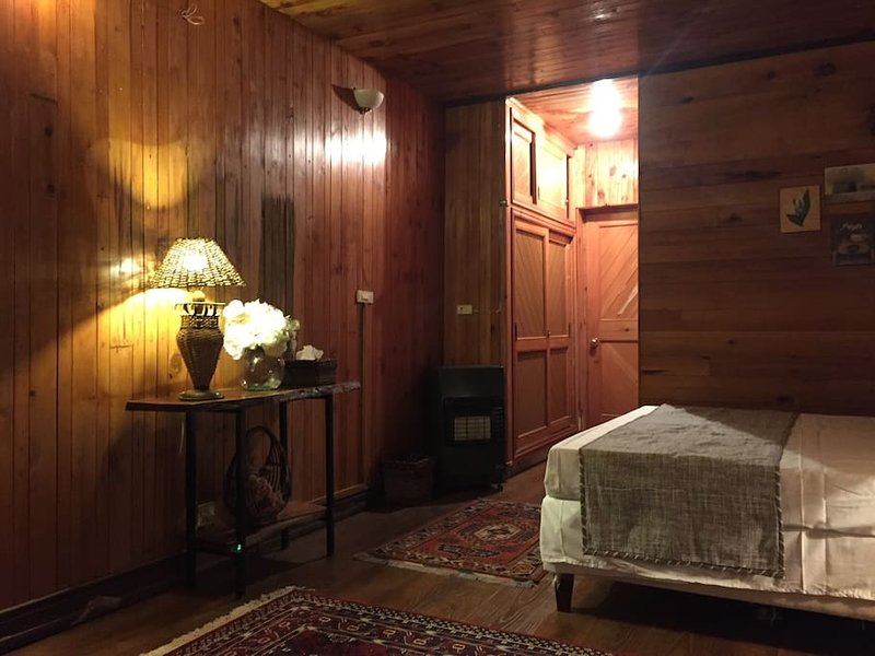 Wood's Dale Room  10, holiday rental in Dunga Gali