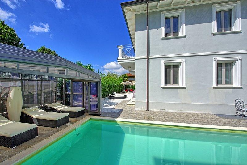 Salapreti Villa Sleeps 8 with Pool and WiFi - 5242091, aluguéis de temporada em Salapreti
