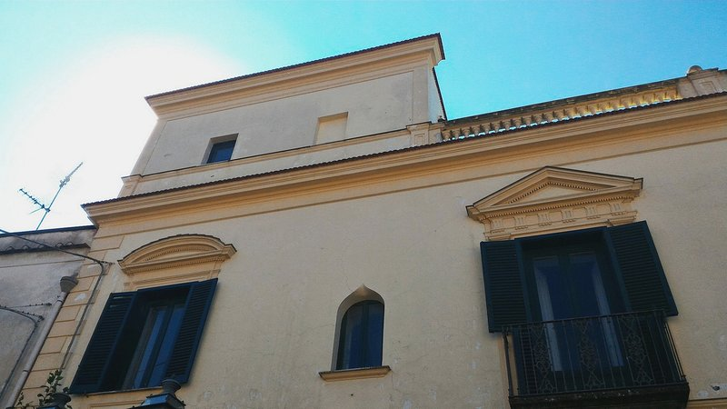 Historic 18th century building where is located a Barone's room with relax terrace in sorrento coast