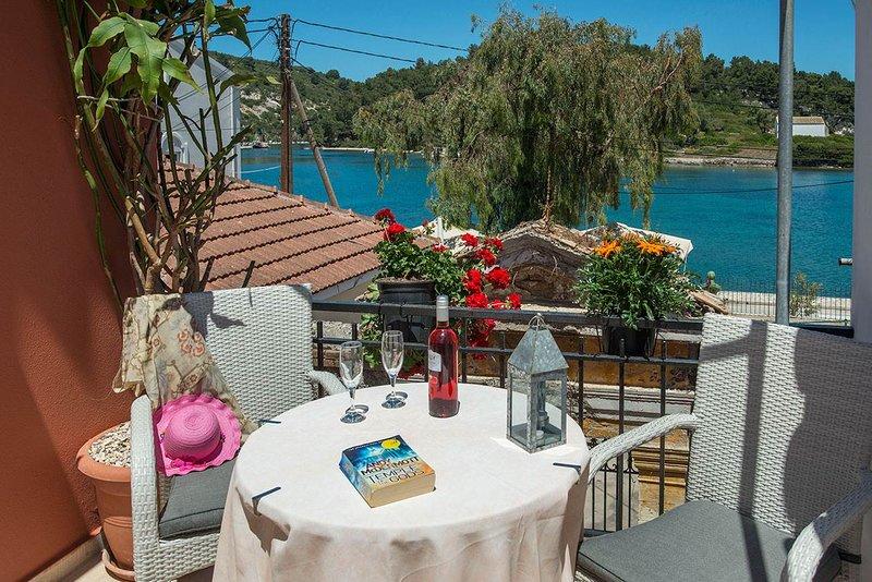 Dora I Studio - Cozy with bay view, vacation rental in Gaios