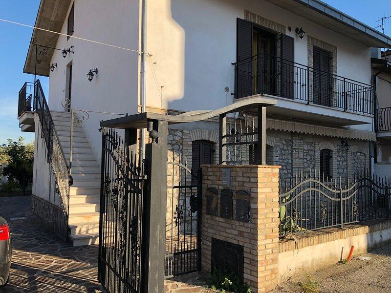 Apartamento in villa, holiday rental in Casoli