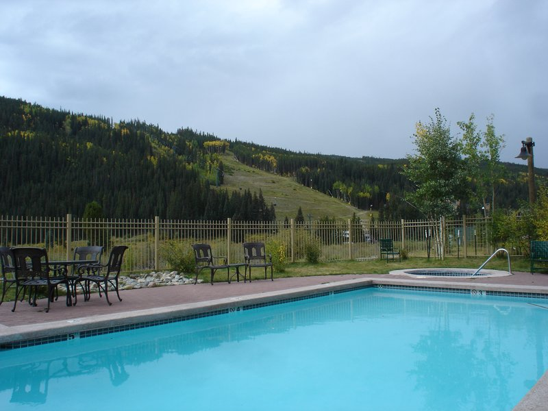 Red Hawk Pool open year round. 2-4 min walk from your townhome.