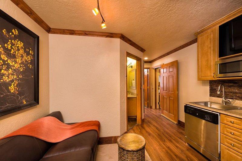SUNDANCE 1/27-2/3!  Luxury 1 bed/1 bath suite at 5 star ski-in/ski-out resort!, alquiler de vacaciones en Snyderville