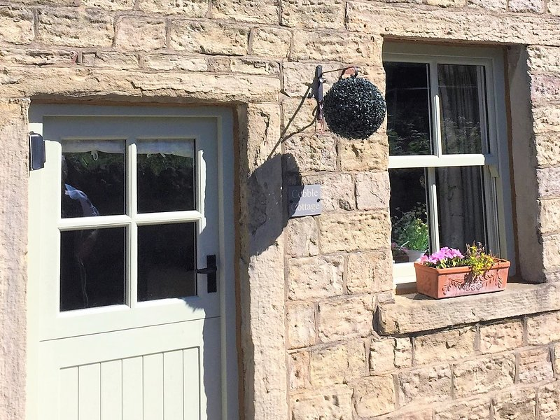 cobble cottage, holiday rental in Fence