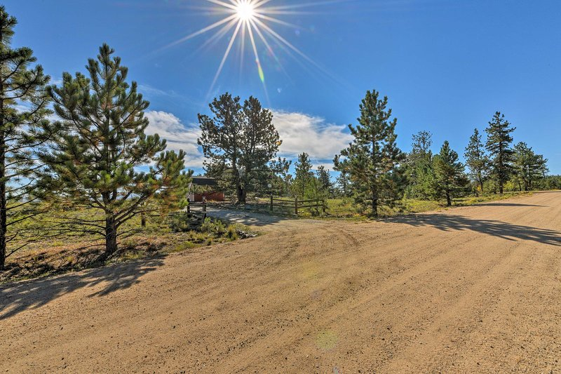This family friendly home is sure to provide an unforgettable Colorado getaway!