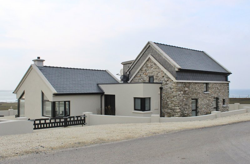 Holiday home.  The Barn, Malin Beg, Glencolmcille, County Donegal, location de vacances à Kilcar