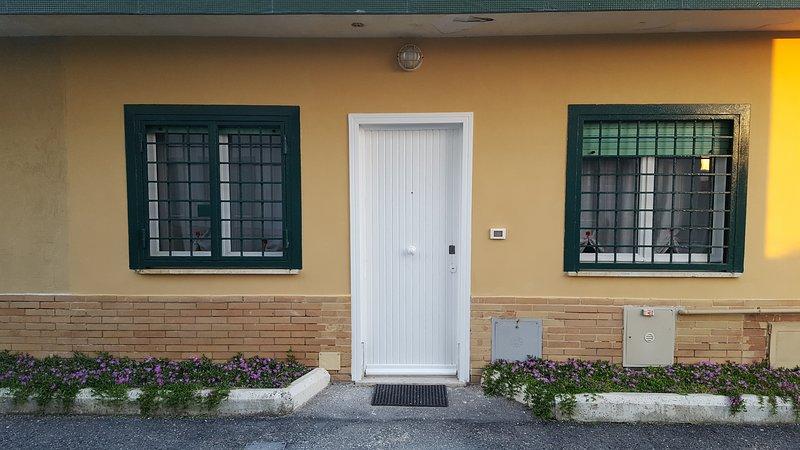 Casa indipendente Lungomare Palo Laziale Ladispoli, holiday rental in Ladispoli
