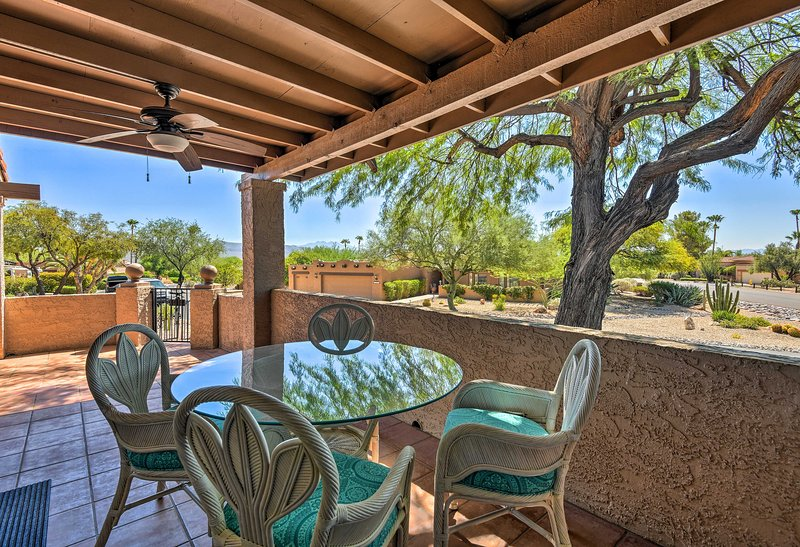 With a wraparound deck and rooftop patio, this home for 6 is 5-star.