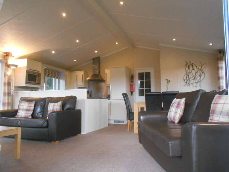 Executive Range Lodge Eriskay, Ferienwohnung in Fort William