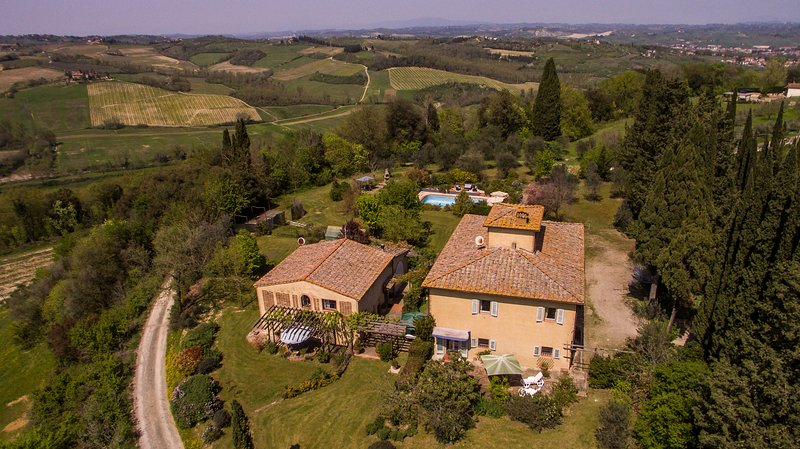 Pretty self catering apartment / private terrace:, location de vacances à San Gimignano