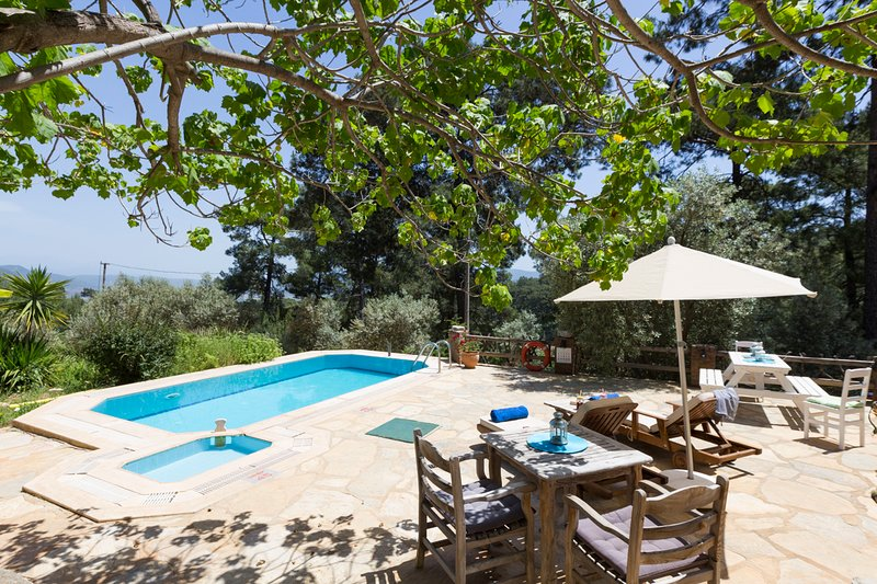 Kuyucak Villa Sleeps 2 with Pool and Air Con - 5669010, location de vacances à Akyaka