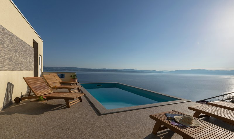 Apartment B - Vila Vita, holiday rental in Solta Island