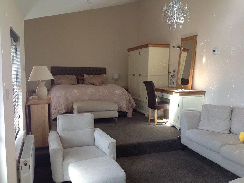 Fellside luxury suite Ambleside With shared Riverside Garden, vacation rental in Rydal