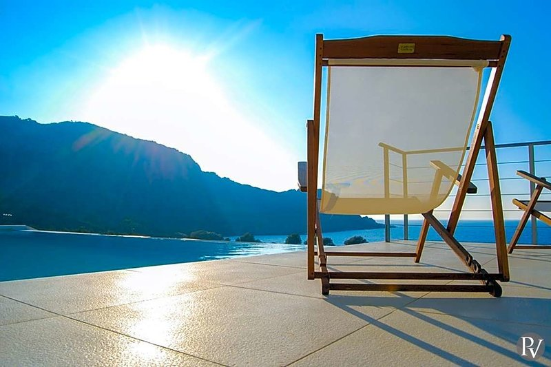 Sfinari Villa Sleeps 6 with Pool and Air Con - 5433137 – semesterbostad i Keramoti