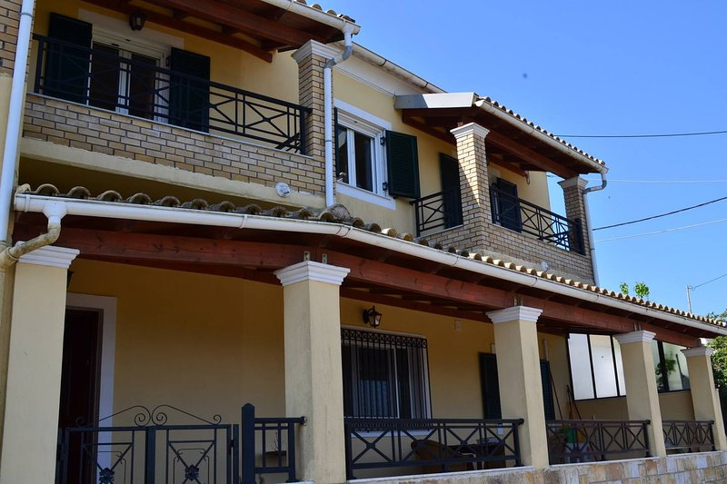 RAFAELA'S HOUSE SOKRAKI, holiday rental in Skripero