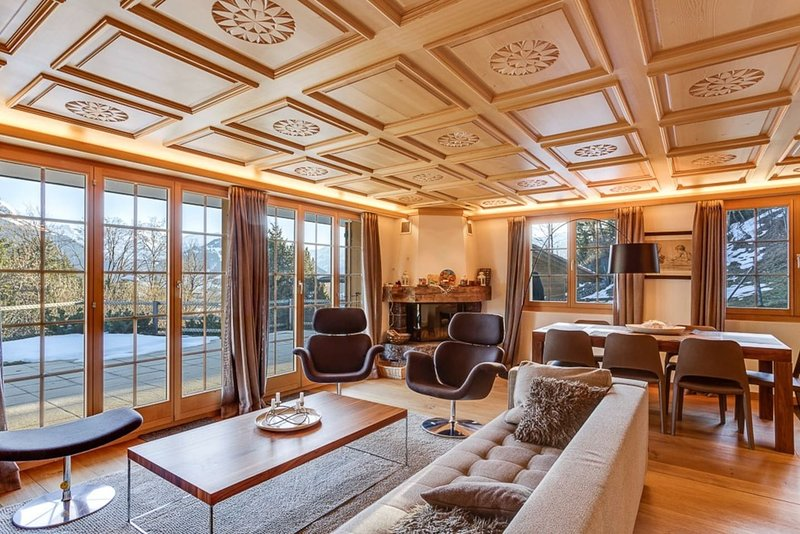 Luxurious Flat with Jacuzzi & Sauna, holiday rental in Canton of Bern