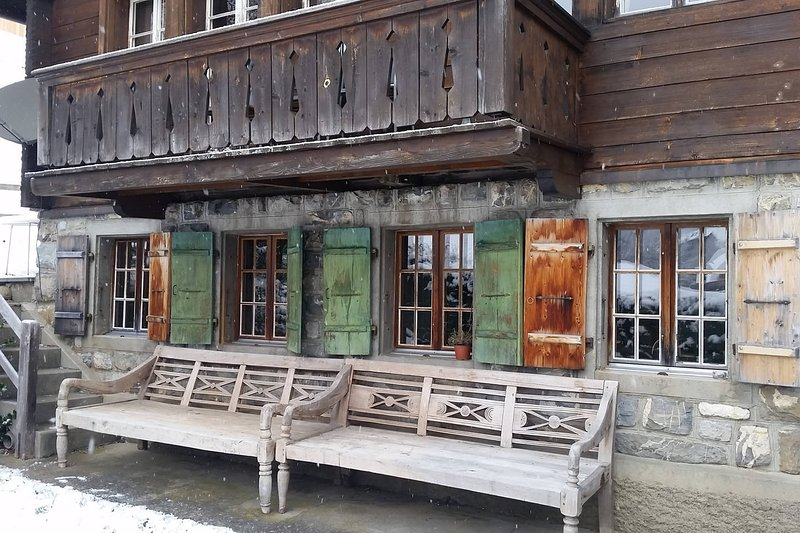 Cosy authentic Chalet in Gsteig bei Gstaad, holiday rental in Canton of Bern