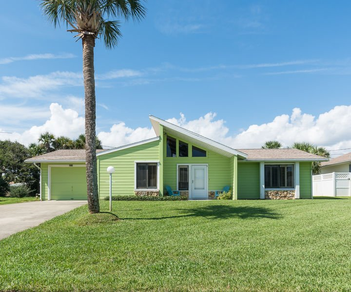 Beautifully decorated home within walking distance to the car free beach!