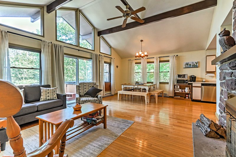 Make the most of your trip to the Pocono Mtns at this 4BR, 2BA vacation rental!