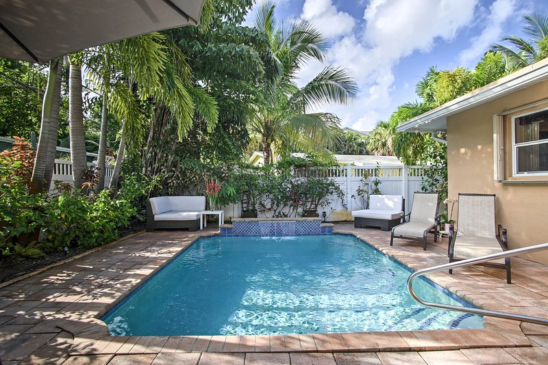 Modern Chic Home w/ Outdoor Oasis, 4 Mi to Beach!, holiday rental in Wilton Manors