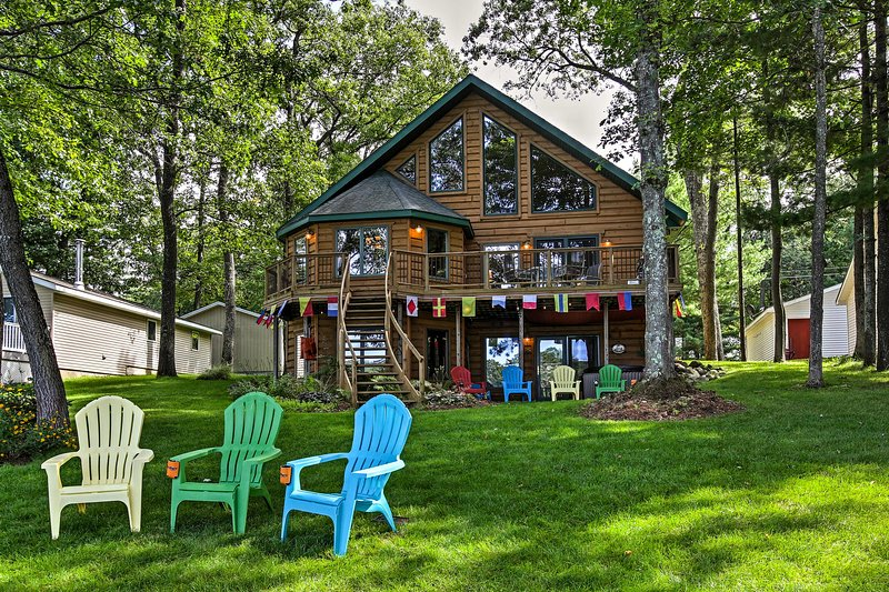 The great outdoors await at this spacious lakefront vacation rental house.