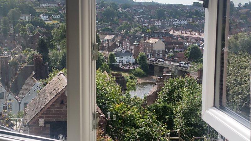 Vista dalla finestra della camera da letto.