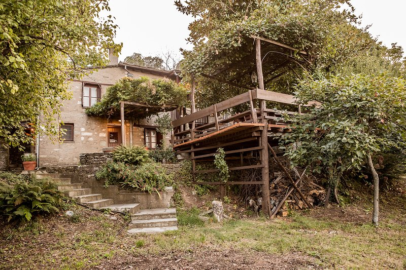 Traditional cottage Melia with view to Aegean sea, holiday rental in Kalamaki