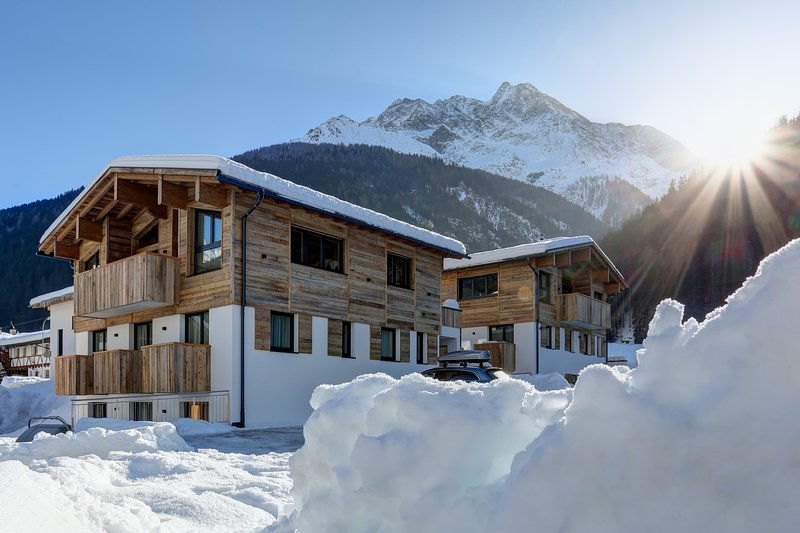 Chalet Bella am Arlberg - Luxury Chalet near St Anton, Ferienwohnung in Pettneu am Arlberg