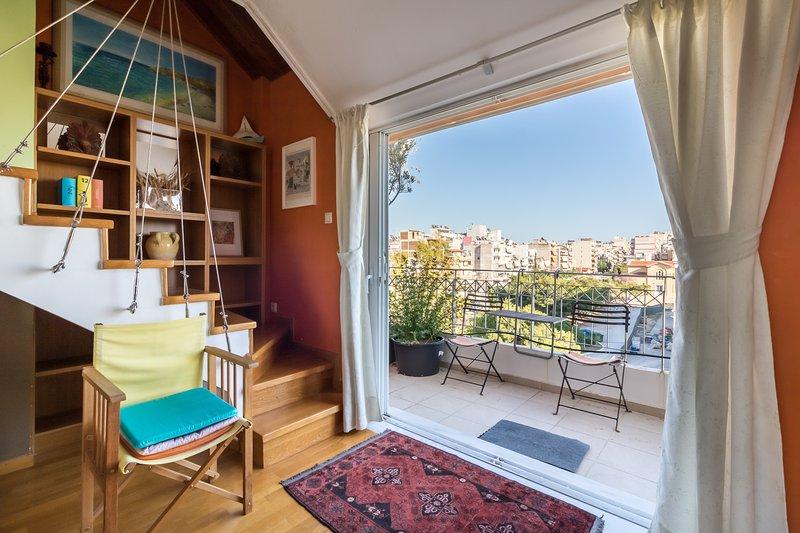 A Luxury Maisonette with Sea View, location de vacances à Piraeus