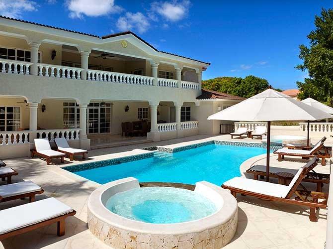 4 BR Villa $ 2,240,00 settimanale o $ 320,00 notte 6-8 ospiti