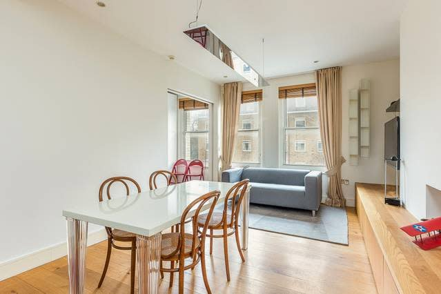 Epg1 Large 3 Bedroom Apartment Chelsea Sw10 Has Central Heating And - Excellent-3-bedroom-london-apartment-in-chelsea-area
