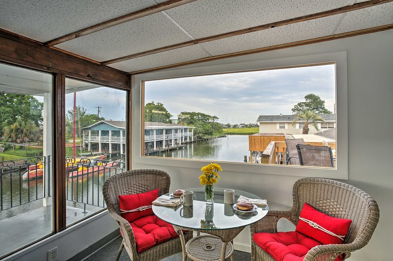 Waterfront Slidell Home on Bayou w/ Boat Slip!, holiday rental in Slidell