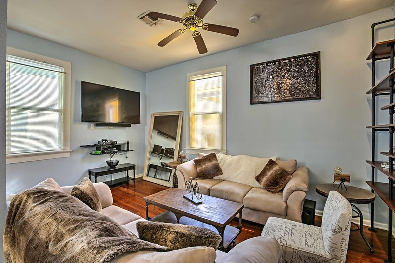 NOLA Creole Cottage - 5 Miles to Bourbon Street!, holiday rental in Metairie