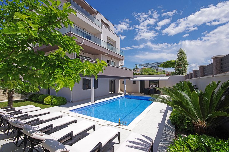 NEW! Luxury Villa Lucas with private pool, 20m from the sea, 14 persons max