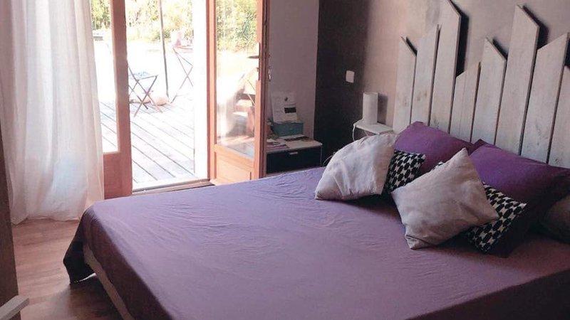 Chambre d'hôtes au coeur de la Provence avec piscine, location de vacances à Suze-la-Rousse