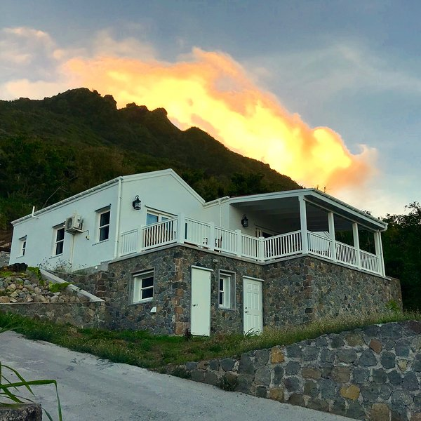 Cloudbreak Villa, Luxury Vacational Rental, vacation rental in Windwardside