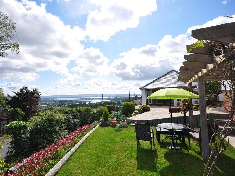 Prachtig uitzicht over de monding van de Severn vanuit de tuinen