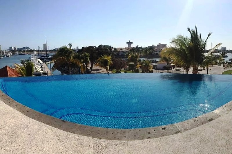2020 From $900 USD a week at the Marina 303!!!, vacation rental in Mazatlan