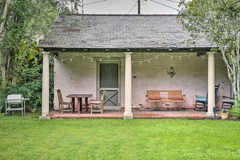Situado en 5 acres de tierra histórica, el huésped alberga 3 adultos y 1 niño.