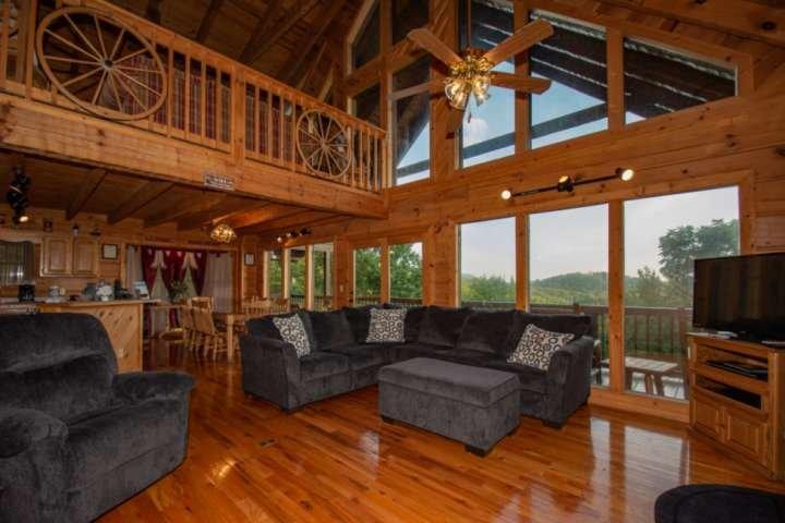 Vieni a soggiornare a Durable Impressions! Goditi la tua Smoky Mountain Getaway con noi!